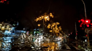 Καιρός: Θυελλώδεις άνεμοι και ισχυρές βροχές κατά τη διάρκεια της νύχτας