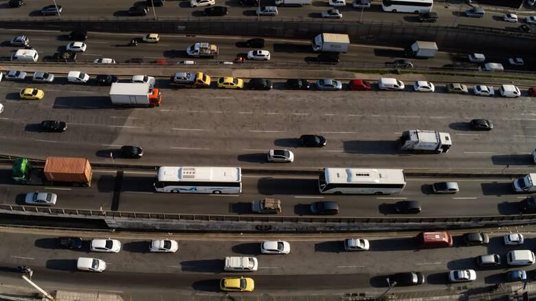 Τέλη κυκλοφορίας 2021: Πώς θα καταθέσετε ηλεκτρονικά τις πινακίδες κυκλοφορίας