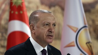 Ερντογάν: Η Ευρώπη να γλιτώσει από τις πιέσεις της Ελλάδας