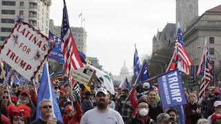 «Τέσσερα χρόνια ακόμα» - Χιλιάδες οπαδοί του Τραμπ στους δρόμους της Ουάσινγκτον