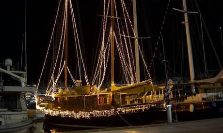 Χριστούγεννα 2020: Ο Πειραιάς βάζει τα γιορτινά του