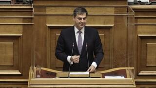 Θεοχάρης: Η χώρα πέτυχε τους στόχους της στον τουρισμό - Σφοδρή αντιπαράθεση στη Βουλή