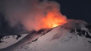 «Ξύπνησε» και πάλι η Αίτνα - Συντριβάνι λάβας ύψους 100 μέτρων