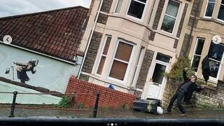Βρετανία: Πωλείται το σπίτι που φιλοξενεί την τελευταία τοιχογραφία του Banksy