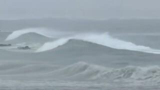 Αυστραλία: Κακοκαιρία και τεράστια κύματα πλήττουν τη Νέα Νότια Ουαλία