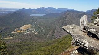 Αυστραλία: Γυναίκα σκοτώθηκε πέφτοντας από βράχο 80 μέτρων στην προσπάθειά της να βγάλει selfie