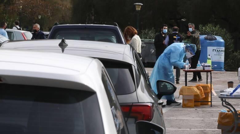 Κορωνοϊός: Τι έδειξαν τα drive through rapid test την Τρίτη