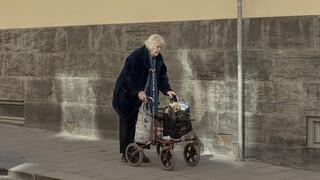 Κορωνοϊός - Σουηδία: Επιτροπή κατά της κυβέρνησης για την ανεπαρκή φροντίδα ηλικιωμένων