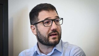 Ηλιόπουλος: Θρηνούμε 3.159 απώλειες και η κυβέρνηση μειώνει τις δαπάνες για την Υγεία