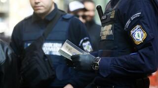 Διαμαρτυρία των αστυνομικών της Αθήνας προς Χρυσοχοΐδη για τις μετακινήσεις στην περιφέρεια