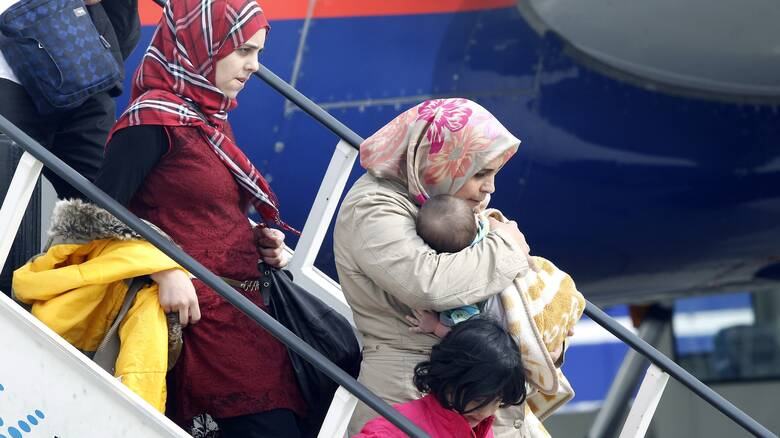 Η Γερμανία απέρριψε αιτήσεις ασύλου 30 Αφγανών προσφύγων και τους απέλασε