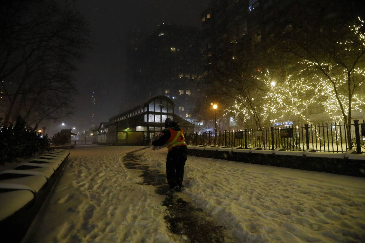 https://cdn.cnngreece.gr/media/news/2020/12/17/247182/photos/snapshot/nea_yorkikakokairia-9.jpg