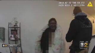 Σικάγο: Οργή κατά της αστυνομίας μετά το βίντεο που δείχνει τη σύλληψη μιας γυμνής γυναίκας