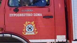 Λάρισα: Πυροσβέστες διάσωσαν 54χρονο από φωτιά που ξέσπασε σε διαμέρισμα