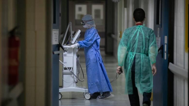 Κορωνοϊός: Κατέληξε 55χρονη νοσηλεύτρια του νοσοκομείου Λάρισας