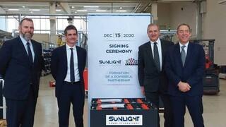 Τη θέση της στην ιταλική αγορά ενισχύει η Sunlight