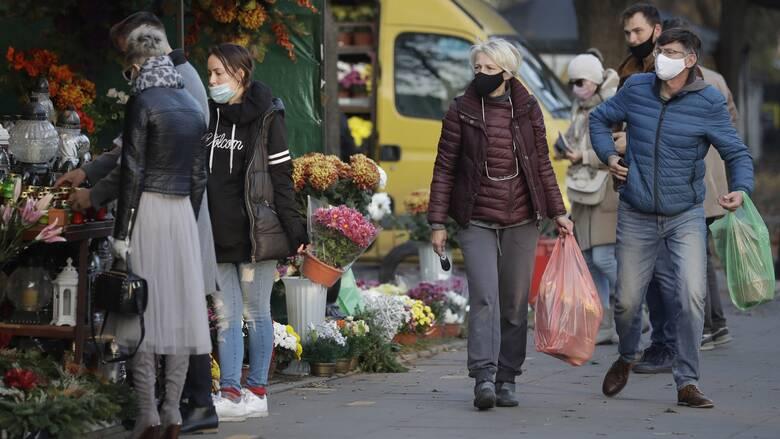 Κορωνοϊός - Πολωνία: Lockdown με κλειστά ξενοδοχεία, χιονοδρομικά και εμπορικά κέντρα