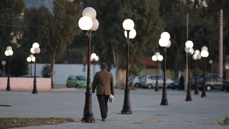 Σκληρό lockdown: Το μοντέλο της Δυτικής Αττικής «οδηγός» και για την Κοζάνη