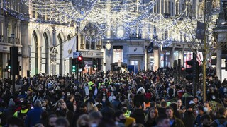 Μετά το Λονδίνο... όλη η Βρετανία: Σκέψεις για καθολικό lockdown μετά τα Χριστούγεννα