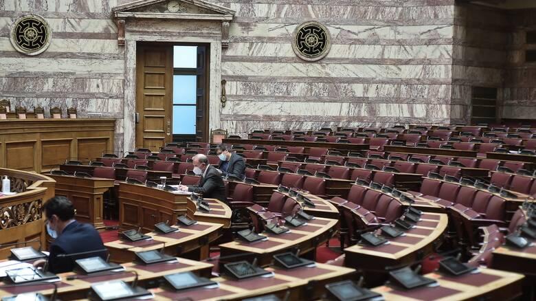 Βουλή: Με διαδικασίες express ψηφίζεται το πολυνομοσχέδιο για την προστασία της δημόσιας υγείας