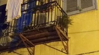 Ναύπλιο: Γυναίκα έπεσε από ύψος 10 μέτρων - Κατέρρευσε το μπαλκόνι του σπιτιού της