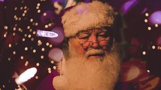 Φάουτσι: Ο Άγιος Βασίλης εμβολιάστηκε και είναι έτοιμος να μοιράσει δώρα
