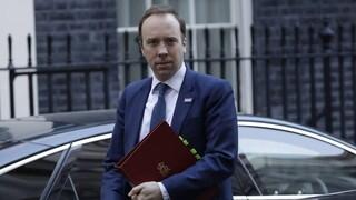 Βρετανός υπ. Υγείας: Τα νέα μέτρα μπορεί να διαρκέσουν για κάποιο διάστημα