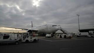 Κορωνοϊός: Η Γαλλία πιθανόν να απαγορεύσει τις πτήσεις και τα δρομολόγια των τρένων από τη Βρετανία