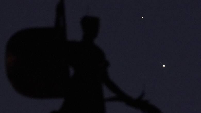 Σύζευξη Δία - Κρόνου: Το θεαματικό αστρονομικό φαινόμενο μέσα από ένα γράφημα