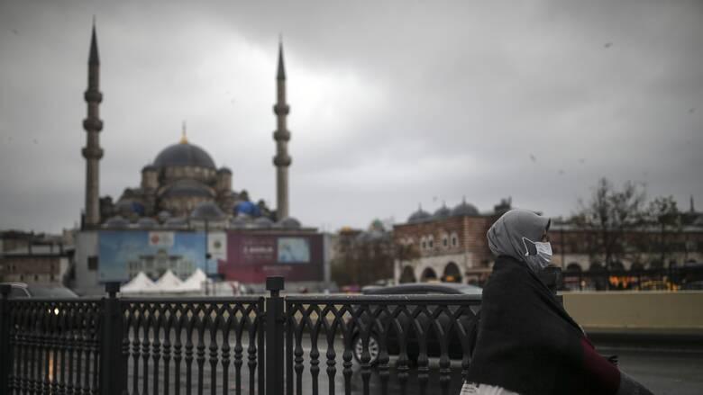 Νέο στέλεχος κορωνοϊού: Και η Τουρκία βάζει «μπλόκο» στις πτήσεις από Βρετανία