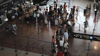 Νέο στέλεχος κορωνοϊού: Σε ντόμινο αποκλεισμού η Βρετανία - Σε ποιες χώρες εντοπίστηκε