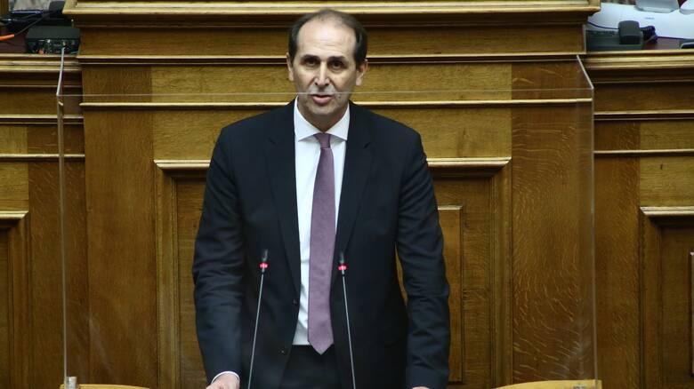 Βουλή: Ενίσχυση τουριστικών καταλυμάτων που λειτούργησαν κατά το α' κύμα της πανδημίας
