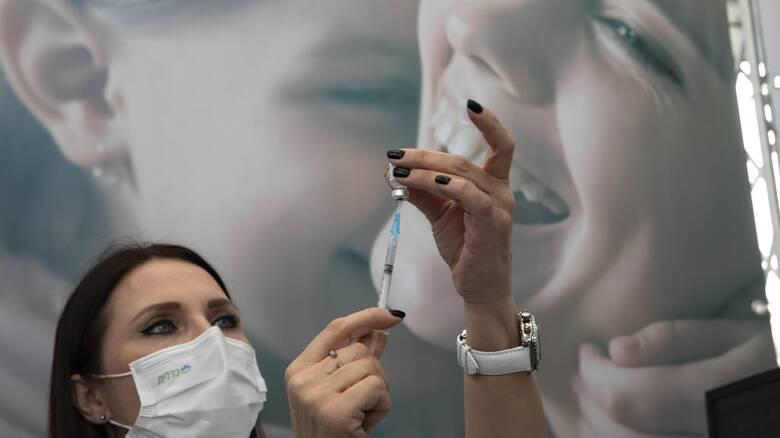 Μετάλλαξη κορωνοϊού: Τι γνωρίζουμε για το νέο στέλεχος και την αποτελεσματικότητα των εμβολίων