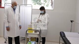 Ρεπορτάζ CNN Greece: Βήμα - βήμα πώς θα γίνονται οι εμβολιασμοί