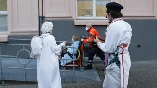 Κορωνοϊός - Τσεχία: Παρατείνεται η κατάσταση έκτακτης ανάγκης μετά την έκρηξη κρουσμάτων