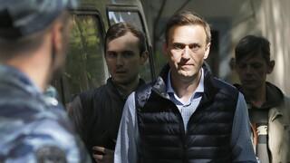 Υπόθεση Ναβάλνι: Διχασμένοι οι Ρώσοι για το ποιος δηλητηρίασε τον επικριτή του Κρεμλίνου