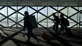 ΗΠΑ: Με βεβαίωση ότι υποβλήθηκαν σε τεστ όλοι οι επιβάτες πτήσεων από τη Βρετανία