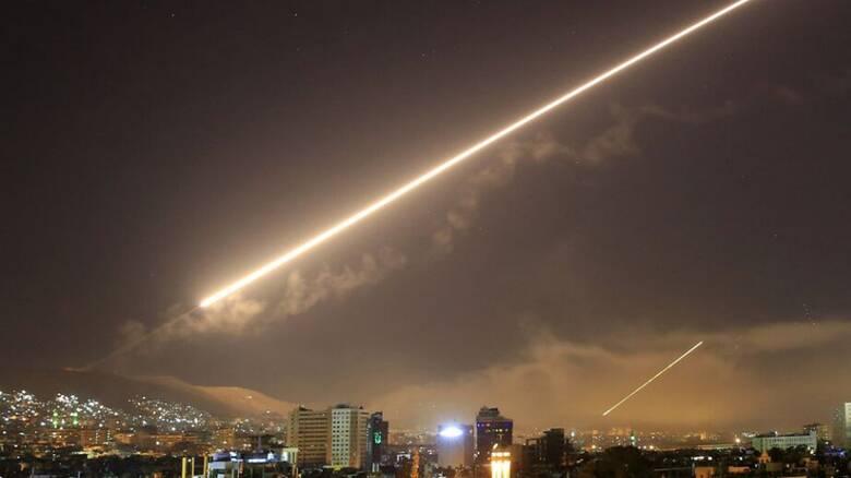 Ισχυρές εκρήξεις στη Συρία μετά από «ισραηλινή» επίθεση