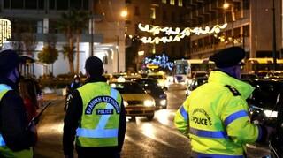 Έφοδοι της ΕΛ.ΑΣ. σε σπίτια για πάρτι και τζόγο - Δώδεκα συλλήψεις