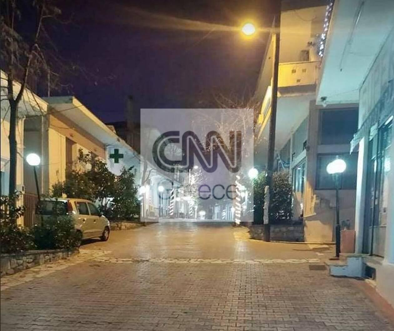 https://cdn.cnngreece.gr/media/news/2020/12/25/248220/photos/snapshot/thespies3.jpg