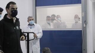 Θεμιστοκλέους: Aύριο ξεκινούν οι εμβολιασμοί για να πάρουμε τη ζωή μας πίσω