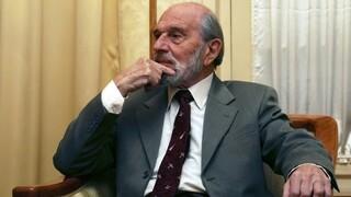 Τζορτζ Μπλέικ: Πέθανε ο θρυλικός κατάσκοπος - Υπήρξε διπλός πράκτορας κατά τον Ψυχρό Πόλεμο
