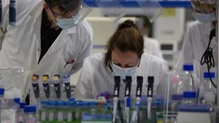 Κορωνοϊός: Βρετανοί επιστήμονες δοκιμάζουν νέο φάρμακο που προσφέρει ανοσία