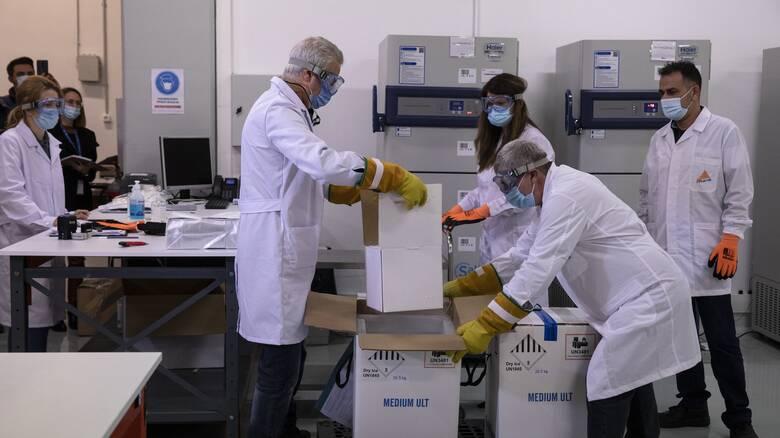 Κορωνοϊός: Ποιοι κάνουν πρώτοι το εμβόλιο την Κυριακή - Τι προβλέπει ο σχεδιασμός για τους πολίτες