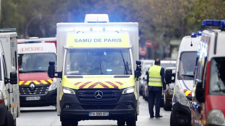Γαλλία: Πανικός σε εκκλησία από την εισβολή οχήματος - Τρεις τραυματίες