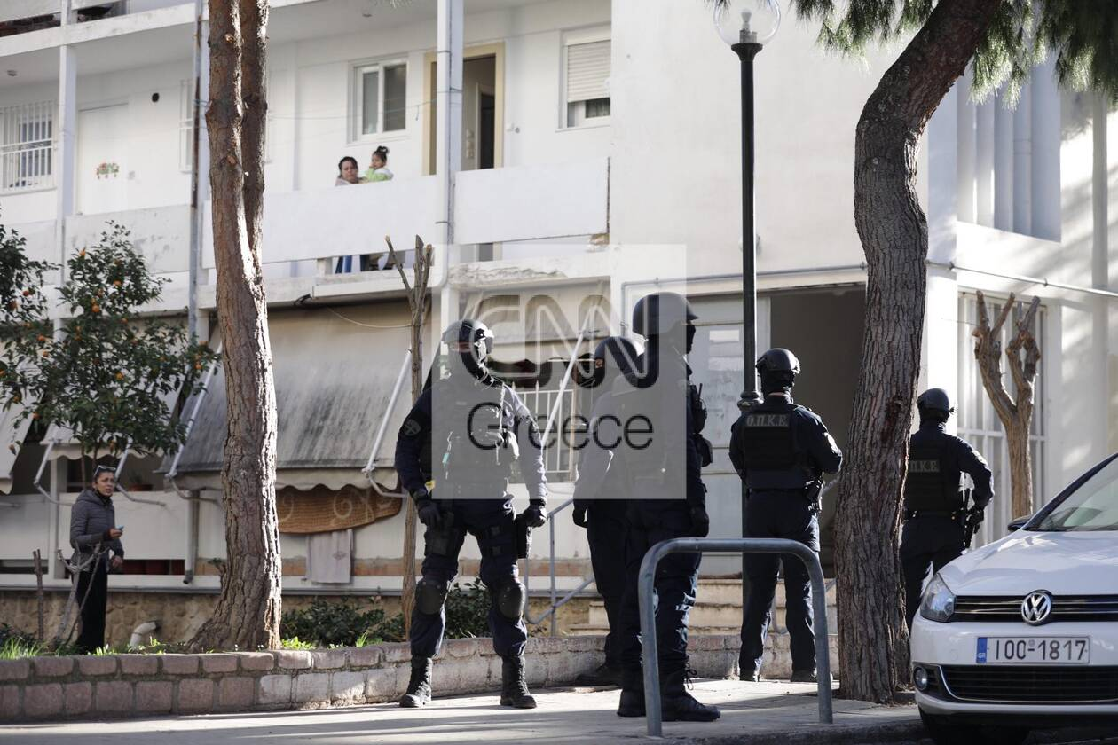 https://cdn.cnngreece.gr/media/news/2020/12/28/248504/photos/snapshot/pyrovolismoi-agia-varvara-3.jpg