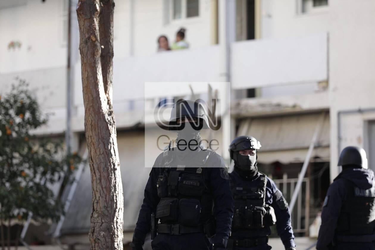 https://cdn.cnngreece.gr/media/news/2020/12/28/248504/photos/snapshot/pyrovolismoi-agia-varvara-4.jpg