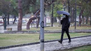 Καιρός: Βροχές και ισχυροί νοτιάδες - Ποιες περιοχές επηρεάζονται