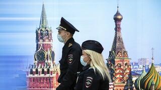 Ως πράκτορα αντιμετωπίζει βετεράνο ακτιβιστή η Μόσχα