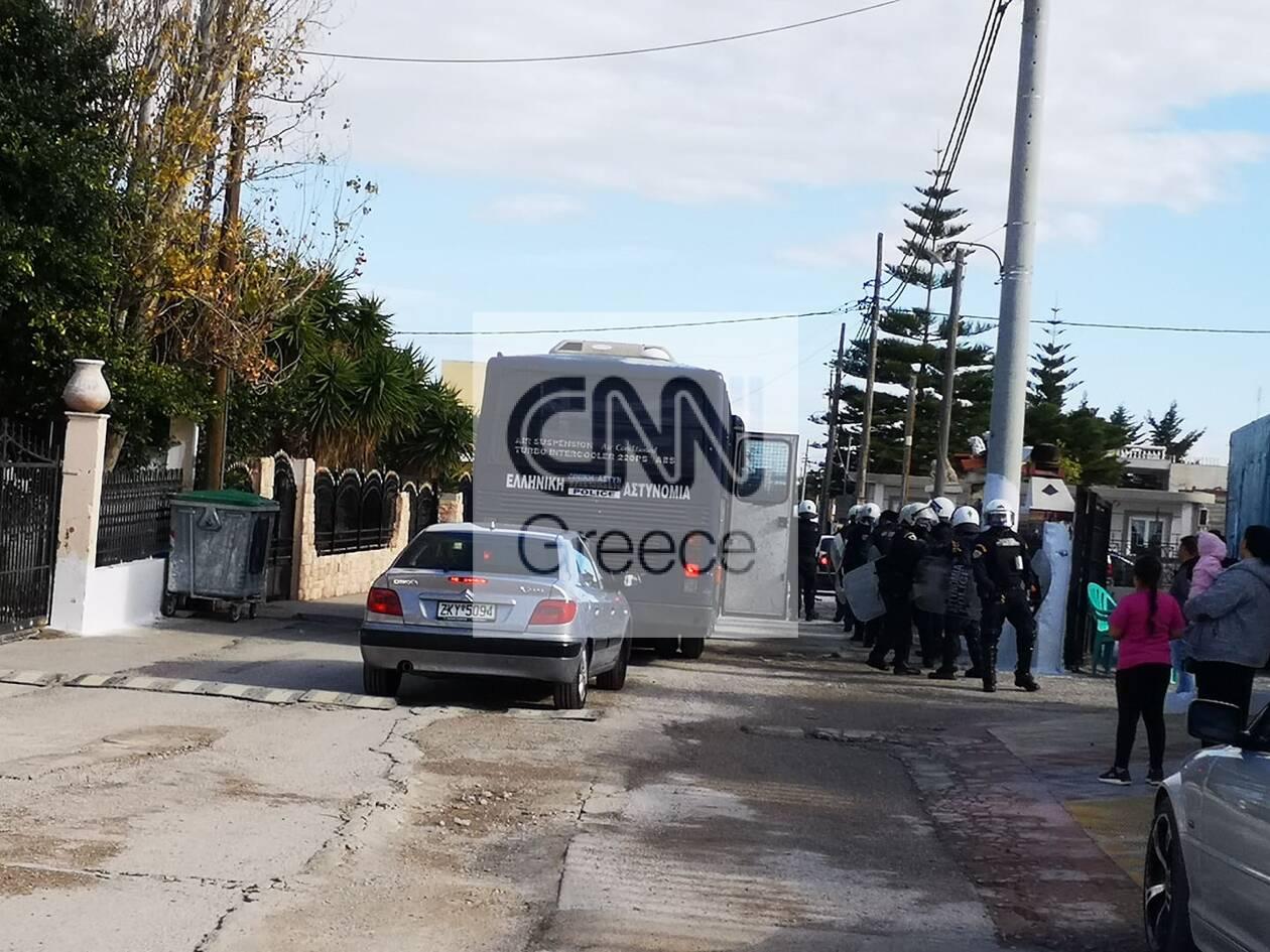 https://cdn.cnngreece.gr/media/news/2020/12/29/248636/photos/snapshot/pyrovolismoi-aspropyrgos-travmaties-1.jpg